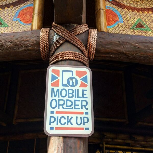 Why You Should Use Mobile Ordering At Walt Disney World