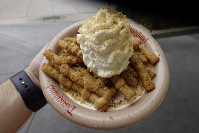 best halloween food at disneyland resort 13 pumpkin spice funnel cake fries award